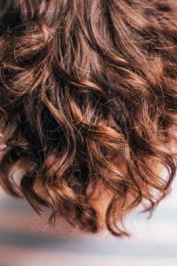 Przeszczep włosów – co na ten temat wiedzieć trzeba?